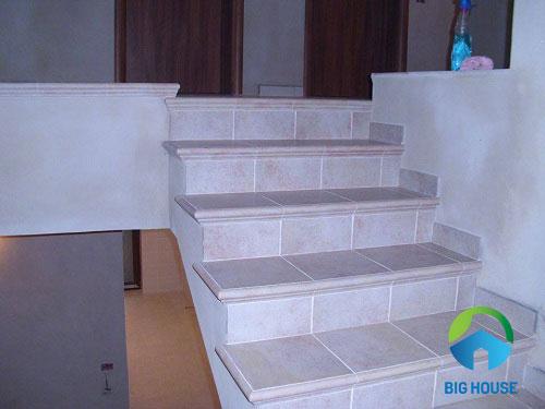 gạch lát cầu thang mikado 8