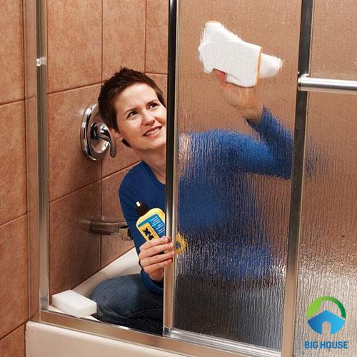 cách vệ sinh nhà tắm 4