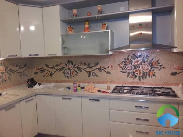 Mẫu gạch điểm ốp tường Mikado MT-MD3628 họa tiết hoa văn cổ điển