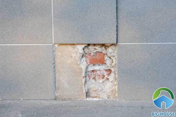 Cách xử lý gạch ốp tường bị bong